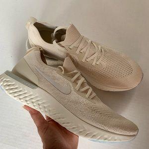 Nike Epic React Flyknit Women Sz 11.5 New